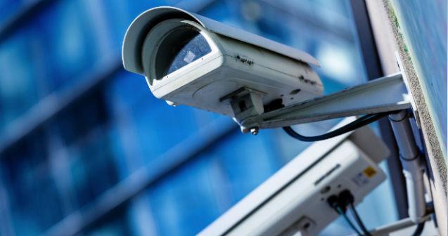 cámaras de seguridad en parking de caravanas en Sevilla